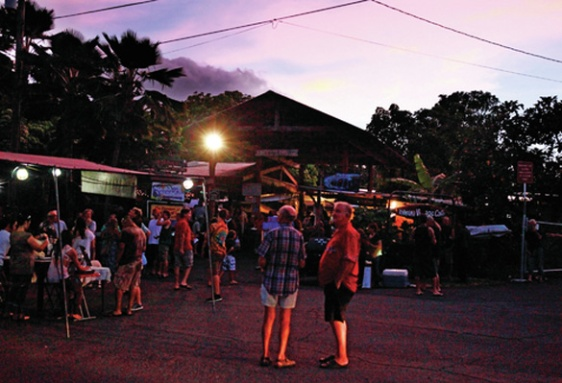 Uncle Robert's Night Market (Hawaii Tribune Herald photo credit)